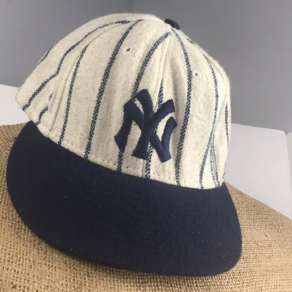 d67278f35da61 Vintage New York Yankees fitted hat 6 7 8. M 5ac0074bc9fcdf0ce1b45a63
